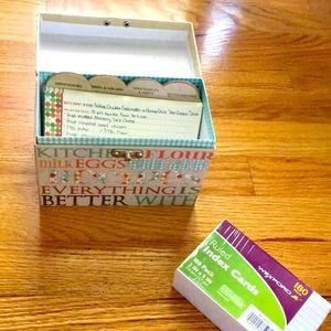 Vintage Recipe Box with Recipe Cards